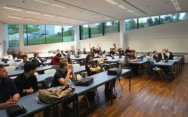 Studierende beim Legal Tech Hackathon 2019