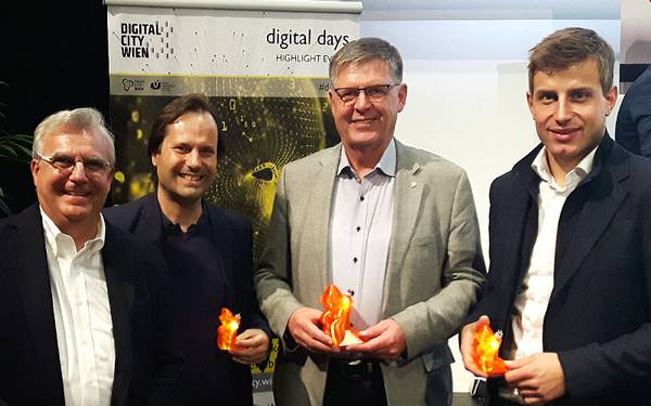 Industry Meets Makers 2018, v.l.n.r.: Fabio Offredi, Thomas Fiedler, Franz Mayer (Magna) und Hubert Wimmer