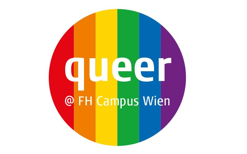Regenbogenfahne mit der Aufschrift queer @ FH Campus Wien